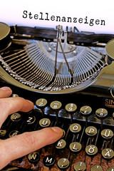Stellenanzeige Antike Schreibmaschine