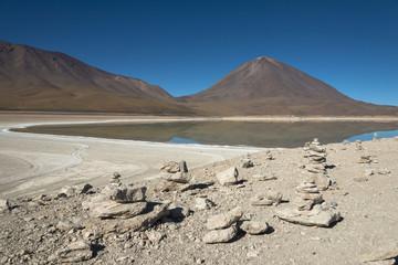 アルティプラーノ平原のラグーナ・ベルデ湖