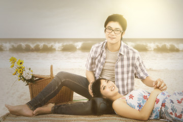 Couple at beach with instagram effect