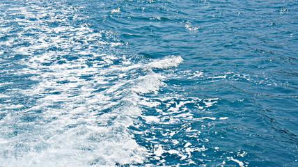 Волнение на море