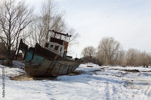 Old ship on the bank of the Ob - 82250370