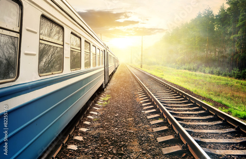 Moving train - 82255763