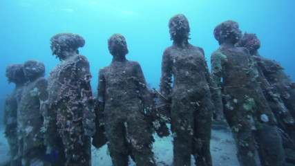 MS Underwater sculptures on bottom of sea / Grenada, Caribbean Sea