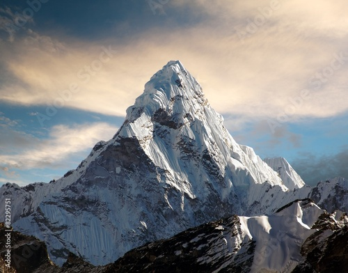 Foto op Plexiglas Nepal Ama Dablam on the way to Everest Base Camp