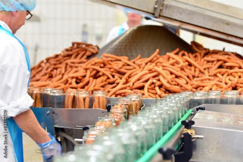 Leinwandbild Motiv Fabrik zur Herstellung von Würsten - Lebensmittelindustrie