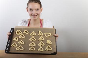 Frau backt Kekse