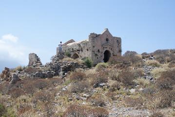 Старинная крепость на острове
