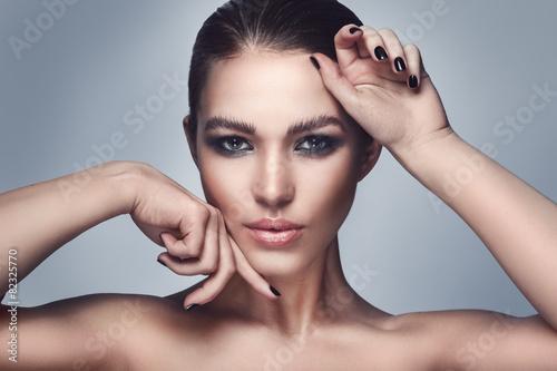Beautiful woman with stylish makeup - 82325770