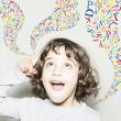 Leinwanddruck Bild - Niña y letras de color