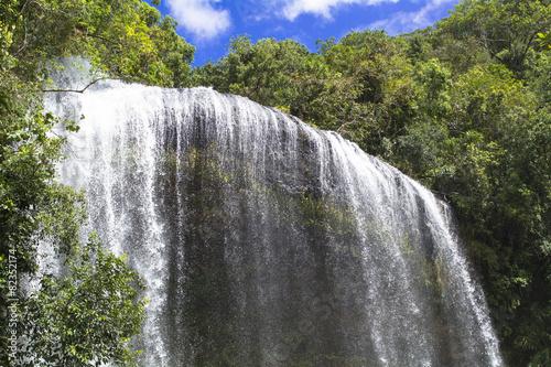 パラオのガラスマオの滝