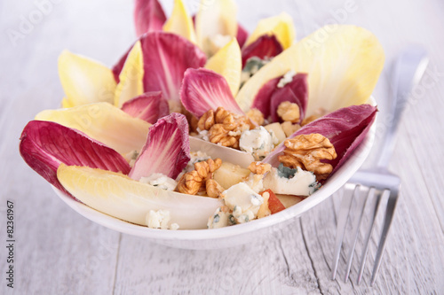 salad with chicory and almonds - 82361967