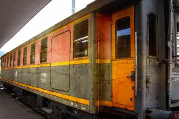 Vagone ferroviario arrugginito