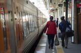 松山駅構内の旅人