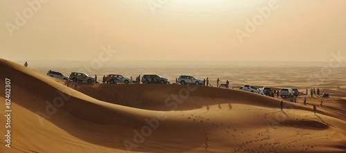 Fotobehang Midden Oosten cars in desert