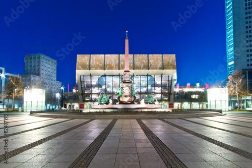 Foto op Plexiglas Theater Leipziger Gewandhaus am Abend