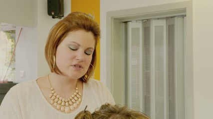 Hairdresser Woman PinUp Hair