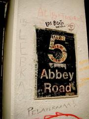 Cartel de Abbey Road en la calle