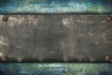piastra metallica avvitata su fondo vintage