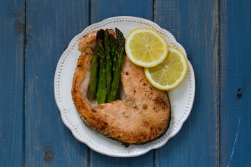 fish with asparagus and lemon
