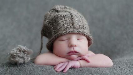 newborn baby 10 days old
