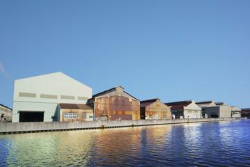 運河沿い工場