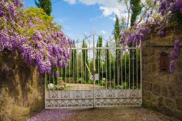 Cancello di entrata di una villa