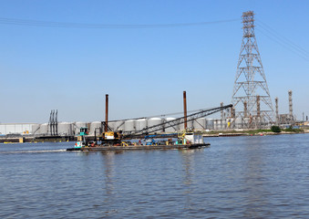 Tug Boat & Crane Barge