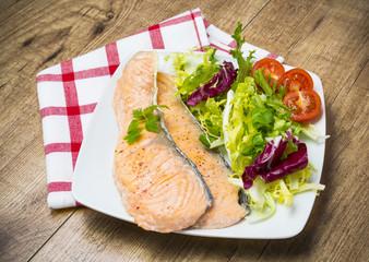 Lonchas de salmón a la plancha