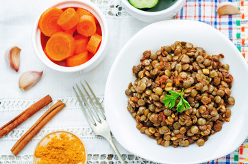 spicy curry cinnamon green lentils