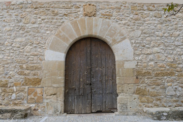 Puerta de iglesia antigua.