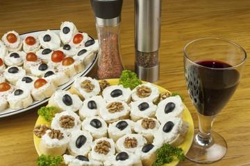Homework quick meals, black olive and walnut