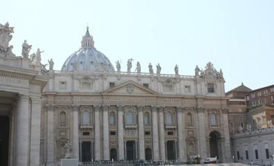 サンピエトロ大聖堂の外観