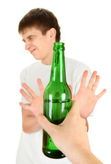 Teenager refuse an Alcohol