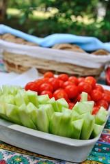 Vassoio di cetrioli e pomodorini