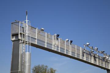 portique écotaxe autoroute détail