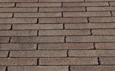 Immagine ravvicinata di un tetto spiovente
