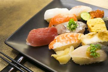 にぎり寿司 盛り合わせ イメージ