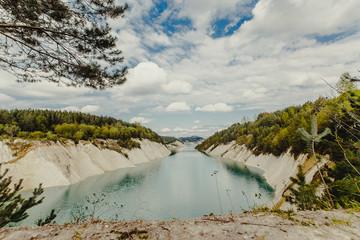 пейзаж река на краю обрыва