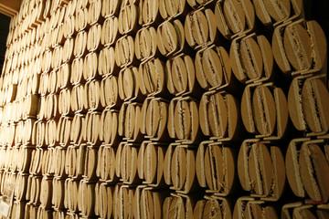 profili legno per porte e finestre