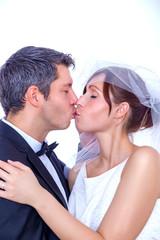 bride couple kissing