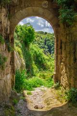Portale per il paradiso, Monterano, Lazio