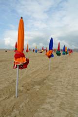 Parasols plage de Deauville