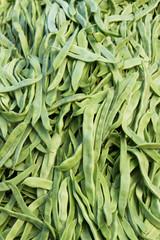 Judias verdes a granel en exposición para la venta en el mercado