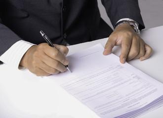 ビジネス書類への承認サイン