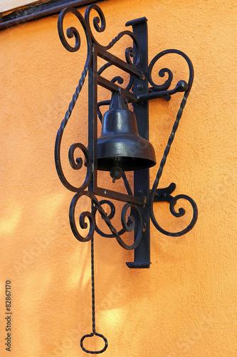 Cloche d 39 entr e photo libre de droits sur la banque d 39 images image 82867170 for Cloche de porte d entree