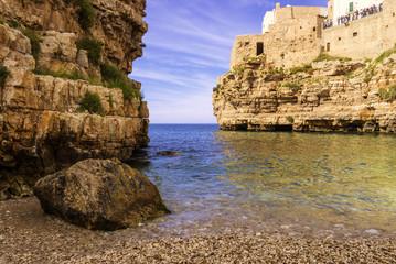 .Polignano a Mare:spiaggia Cala Porto.ITALIA(Puglia)