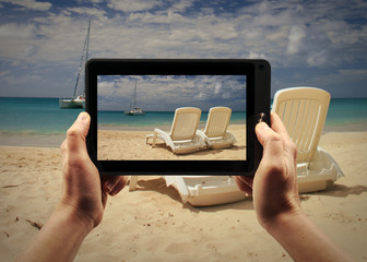 Take a picture of a beach in Martinique in the Caribbean Sea