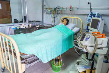 Intensive care unit simulation room