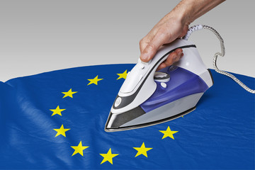 smooth out the wrinkles of Flag-Europe