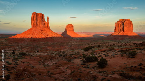 Fotobehang Natuur Park Monument Valley at sunset, Utah, USA